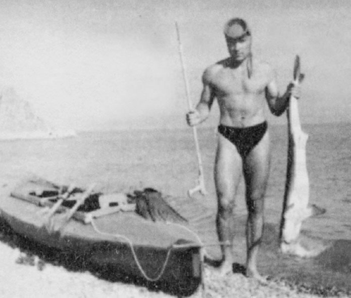 Отдых в Геленджике.  Знатный трофей - черноморская акула катран.
